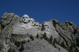 "<p><font size=""1"">Zleva do prava: George Washington, Thomas Jefferson, Theodore Roosevelt a Abraham Lincoln. <br />__________<br />From left to right: George Washington, Thomas Jefferson, Theodore Roosevelt and Abraham Lincoln. <br /></font></p>"
