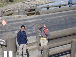 "<div><font size=""1"">Míša a Sandeep na mostě.</font></div>