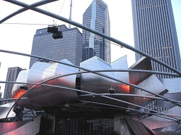 "<p class=""MsoNormal"" style=""MARGIN: 0in 0in 0pt""><font size=""1"">Jay Pritzker Pavilion je místo pro konání koncertů a setkání.</font></p>