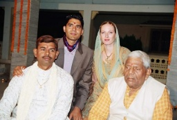 Sandeepův starší bratr Dýpak (Deepak), Sandeep, Míša a Sandeepův otec.<br />_________<br />Sandeep's older brother Deepak, Sandeep, Míša and Sandeep's father.