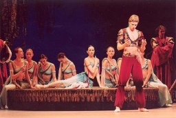 Andrian Fadayev as Lankedemm, the slave trader in Le Corsaire.jpg
