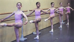 v sále -RoyalBalletSchool.jpg