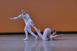 Uliana Lopatkina and Igor Kolb in Grand Pas de deux.jpg