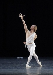 David Hallberg - Apollon.jpg