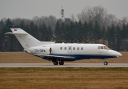 Hawker Beechcraft 900XP CS-DPA (madJET Aviation)