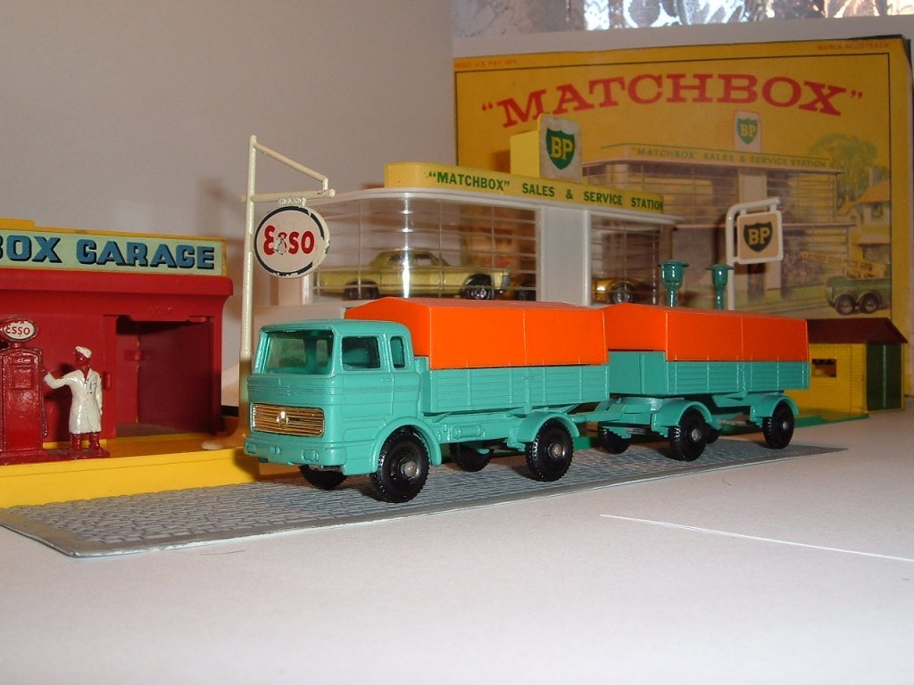 No 1e, 2d Mercedes Benz Lorry and Trailer, 1968, 1968