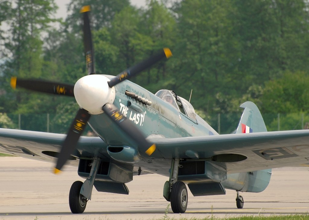 SPITFIRE PR.XIXBATTLE OF BRITAIN MEMORIAL FLIGHT