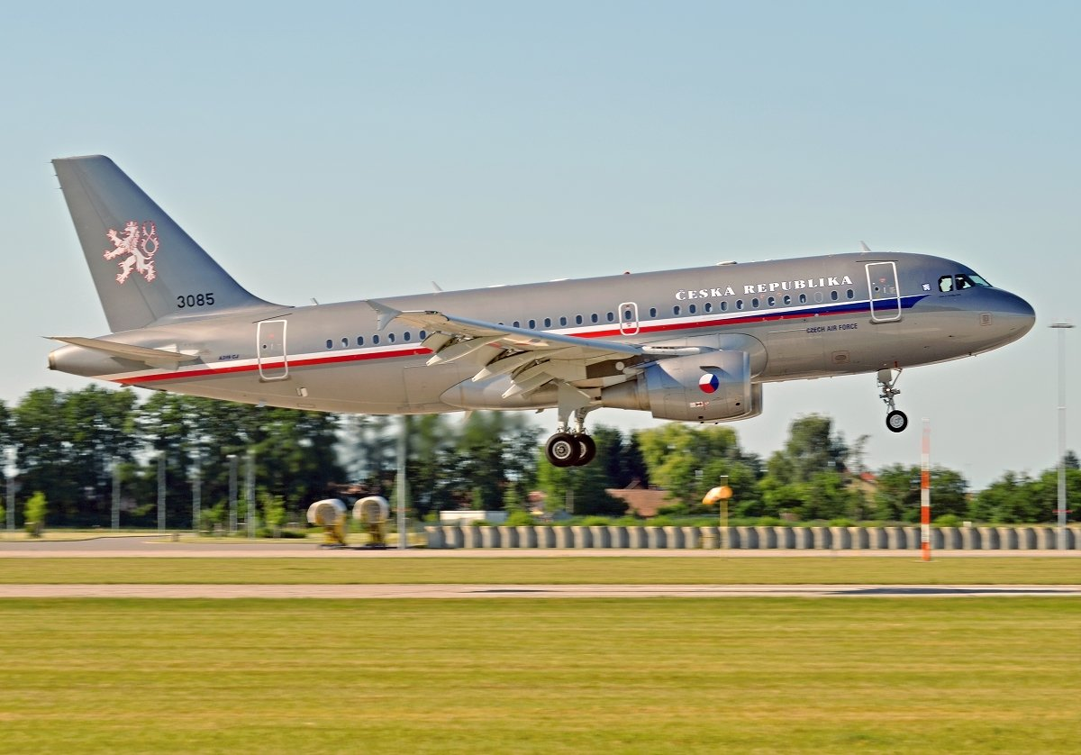 A319-115(CJ)     Czech Air Force    3085