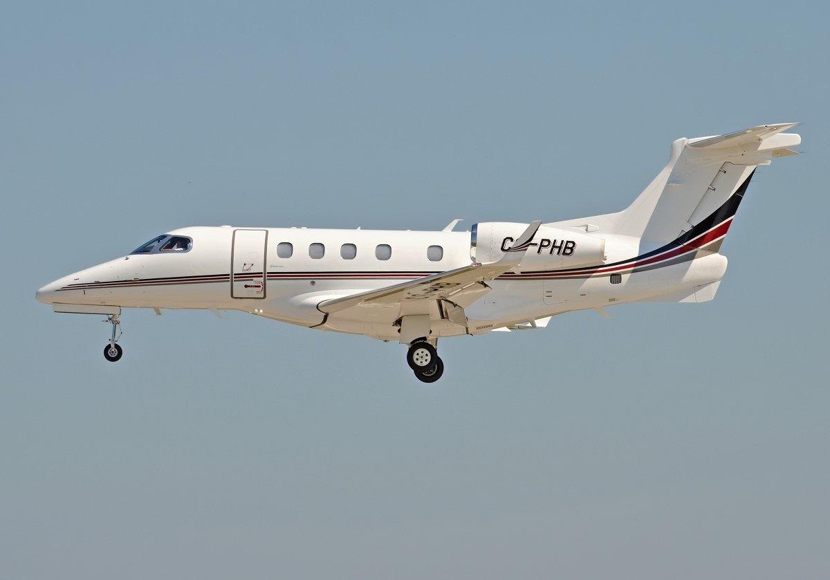 EMB-505 Phenom 300   NetJets Europe   CS-PHB