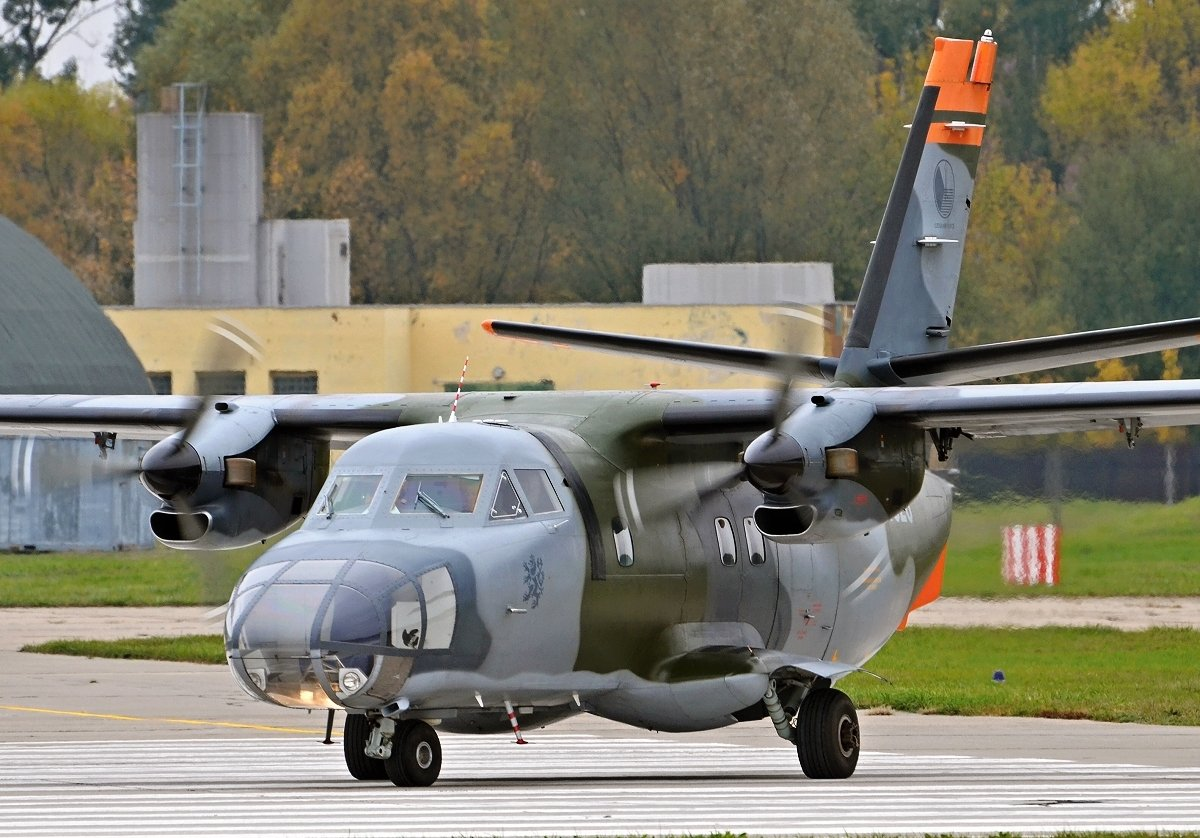 L410FG   Czech Air Force    1525