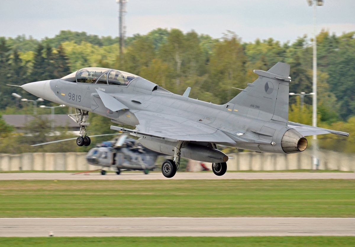 Saab 39D Gripen    Czech Air Force    9819