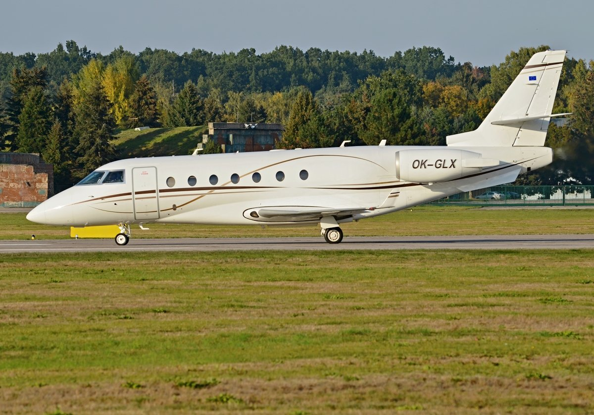 Gulfstream   Private   OK-GLX
