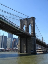 Pilíř Brooklynského mostu.<br />_________<br />Pillar of Brooklyn Bridge.