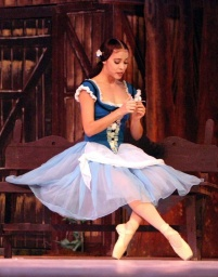 Anette Delgado in act 1 of Giselle.jpg
