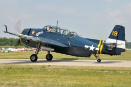 HB-RDG  TBM-3E Avenger Private