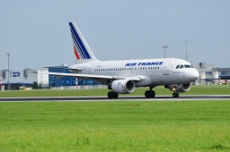 F-GUGK   A318-111 Air France