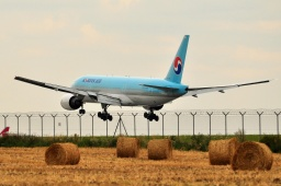HL7714 B777-2B5-ER  Korean Air