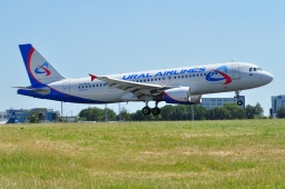 VQ-BAG  A320-214 Ural Airlines
