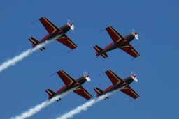 The Royal Jordanian Falcons (4x Extra 300LP JY-RFA/B/C/D)