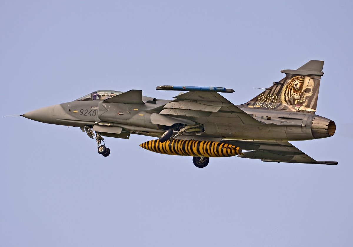 Saab 39C Gripen   Czech Air Force    9240