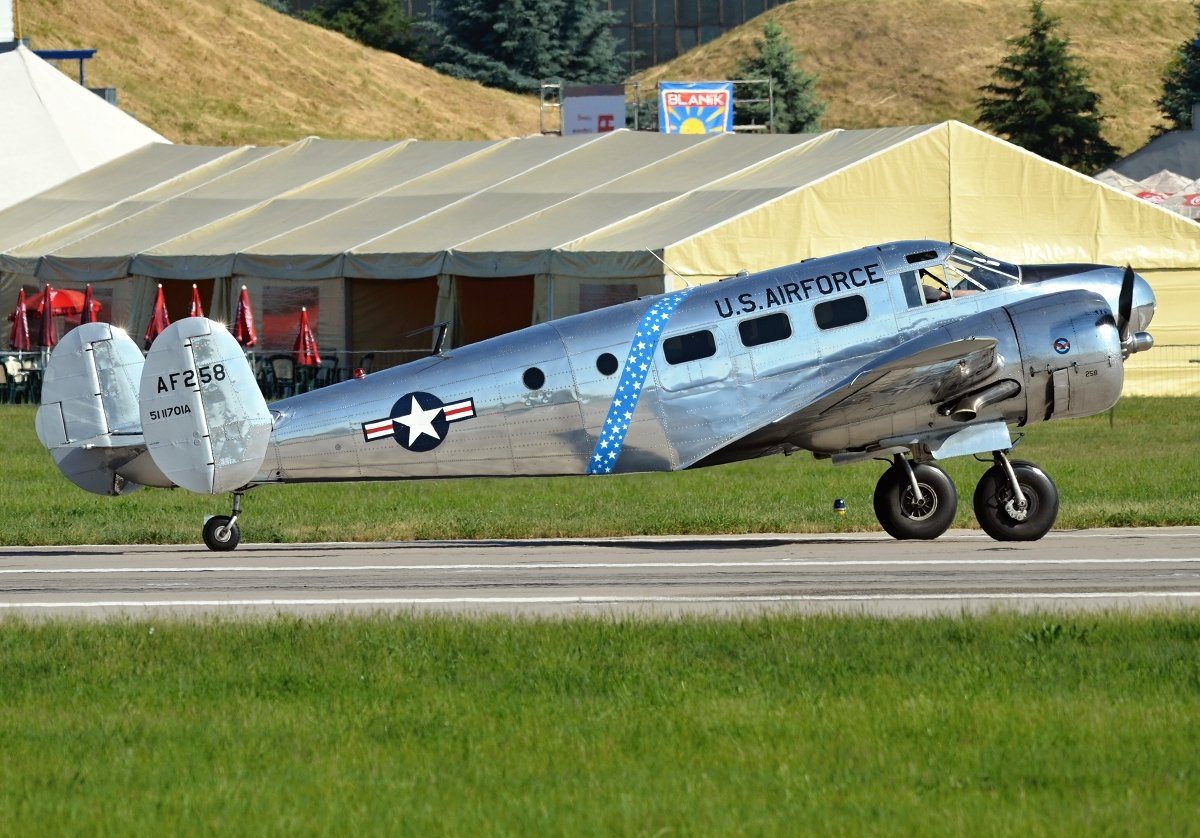 Beech C-45H Expeditor  Private  G-BSZC