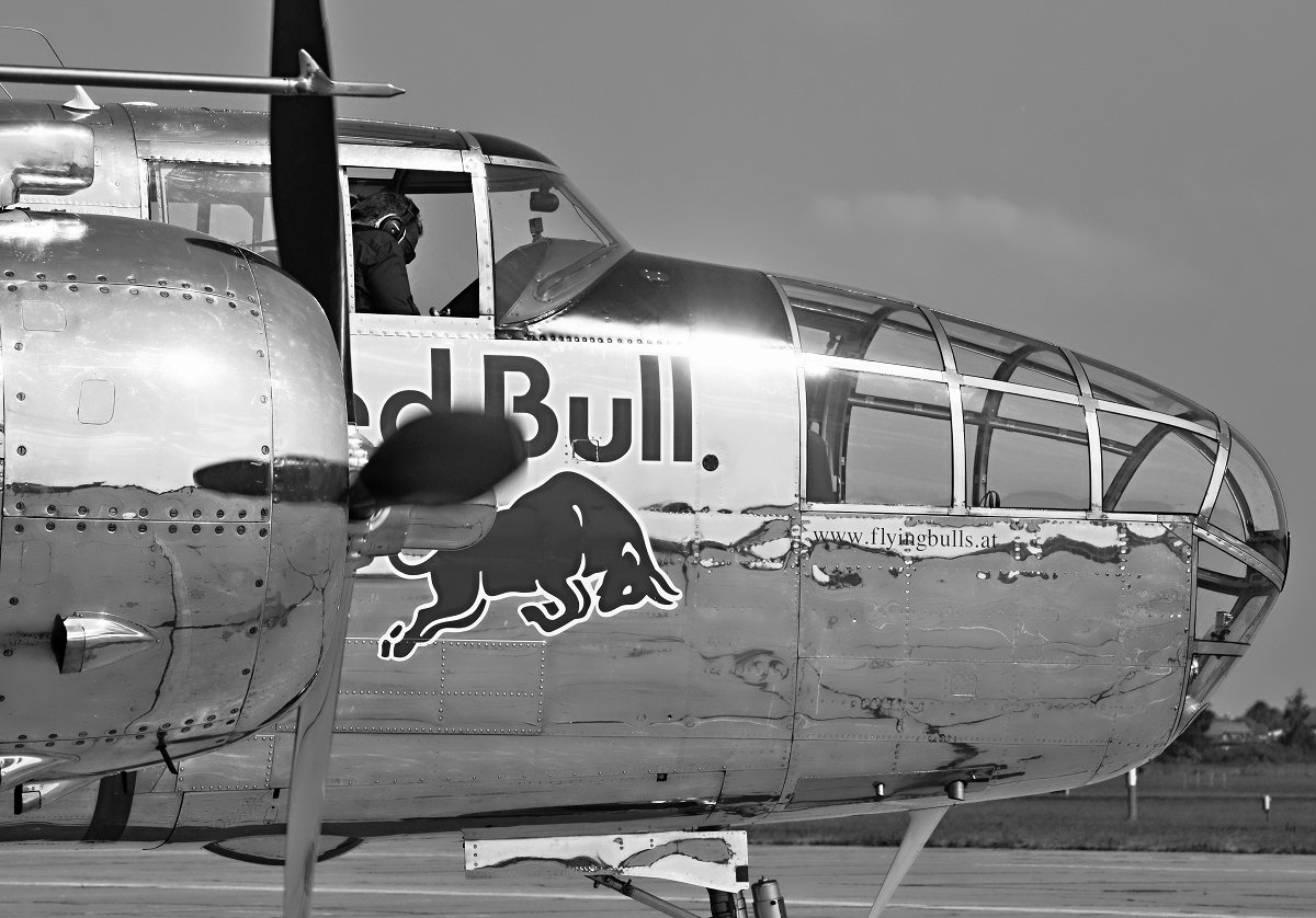 B-25J Mitchell   The Flying Bulls   N6123C