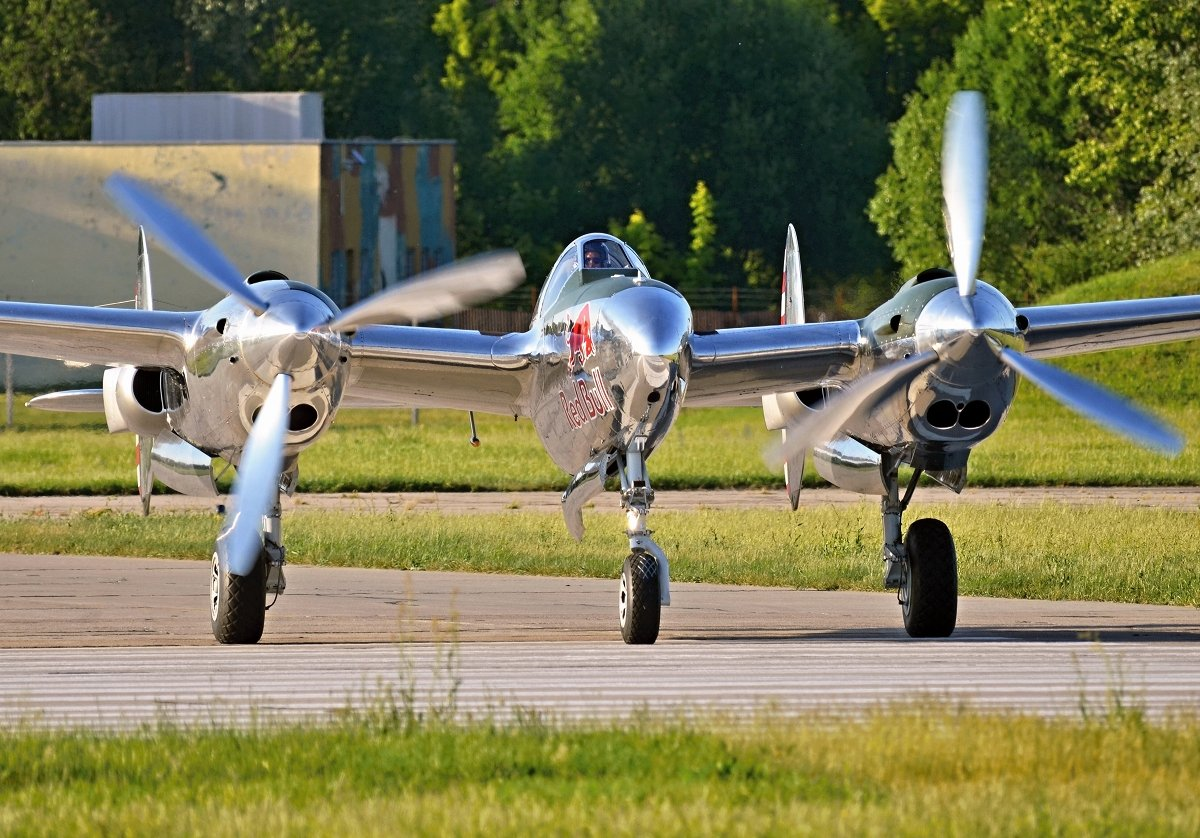 Lockheed P-38L  The Flying Bulls   N25Y