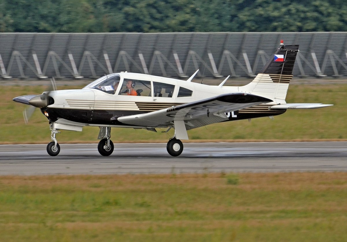 Piper 28R-200    Private    OK-POL