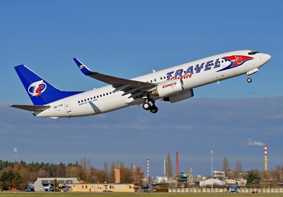 B737-86Q   Travel Service  OK-TVE